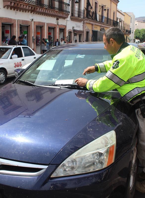 Foto de EXHORTAN A RESPETAR CAJONES PARA PERSONAS CON DISCAPACIDAD